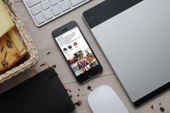 Lets do Lunch social media phone